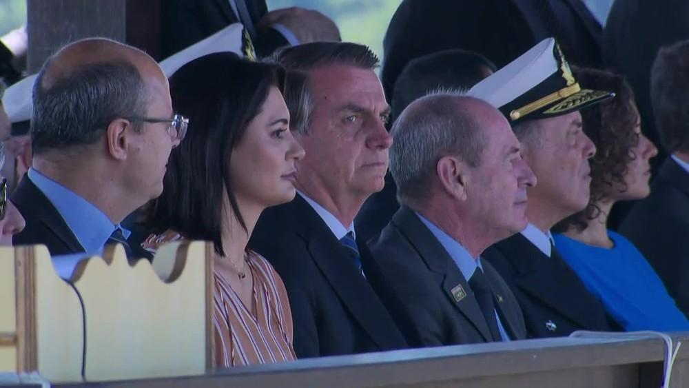 Presidente da República participa de solenidade, na Zona Norte do Rio, ao lado da primeira-dama, Michele Bolsonaro — Foto: Reprodução / TV Globo