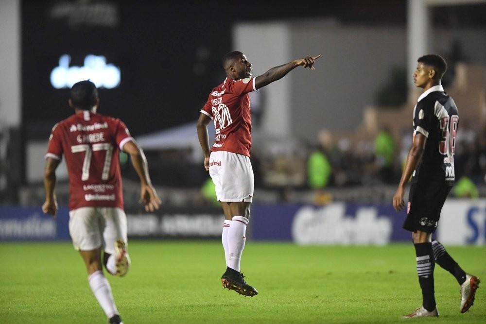 Emerson Santos marcou o solitário gol colorado na derrota para o Vasco por 2 a 1 — Foto: Ricardo Duarte/SC Internacional