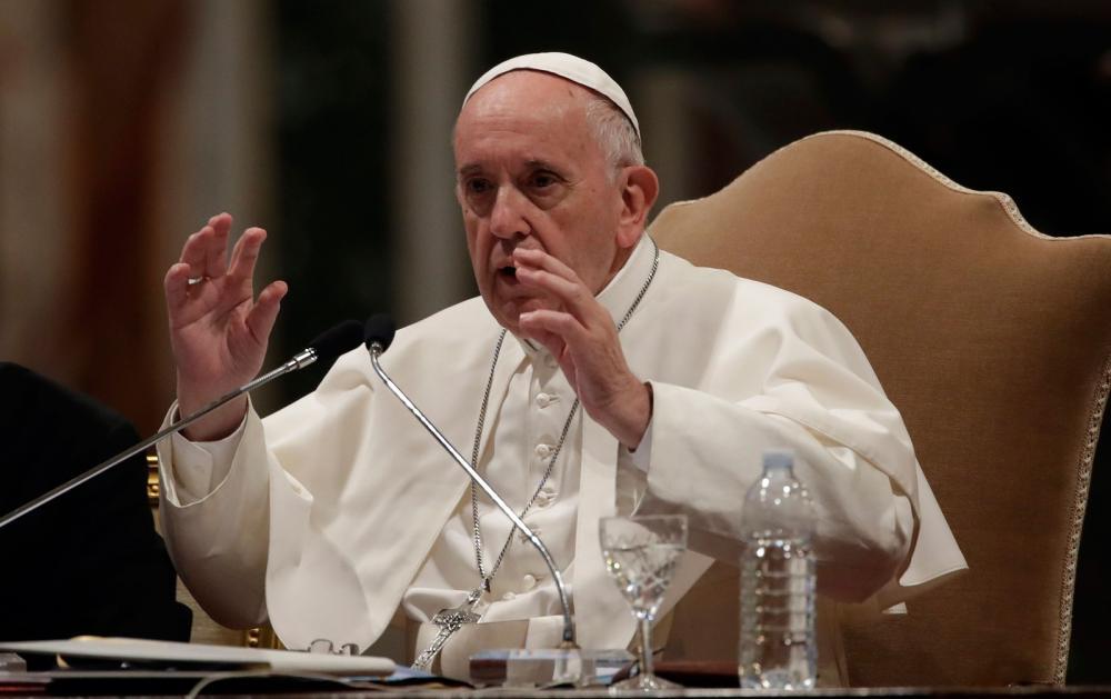 Papa Francisco fala durante um encontro em Roma, na Basílica Vaticana de São João de Latrão, em Roma — Foto: Alessandra Tarantino/ AP