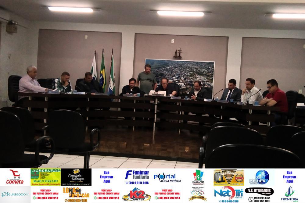 Vereadores em sessão ordinária em Barracão/Foto:Marcos Prudente
