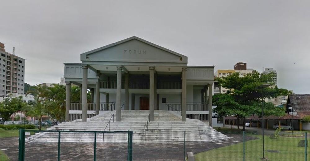 Fórum da Comarca de Itajaí, SC. — Foto: Google Street View
