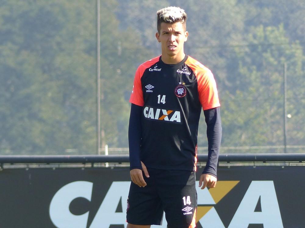 Bruno Nazário foi titular contra o Goiás, na última rodada do Braisleirão — Foto: Monique Silva