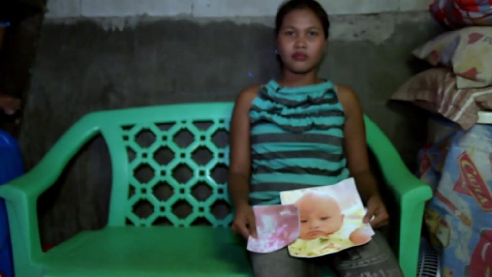 Arlyn B. Calos perdeu dois filhos com sarampo — Foto: BBC