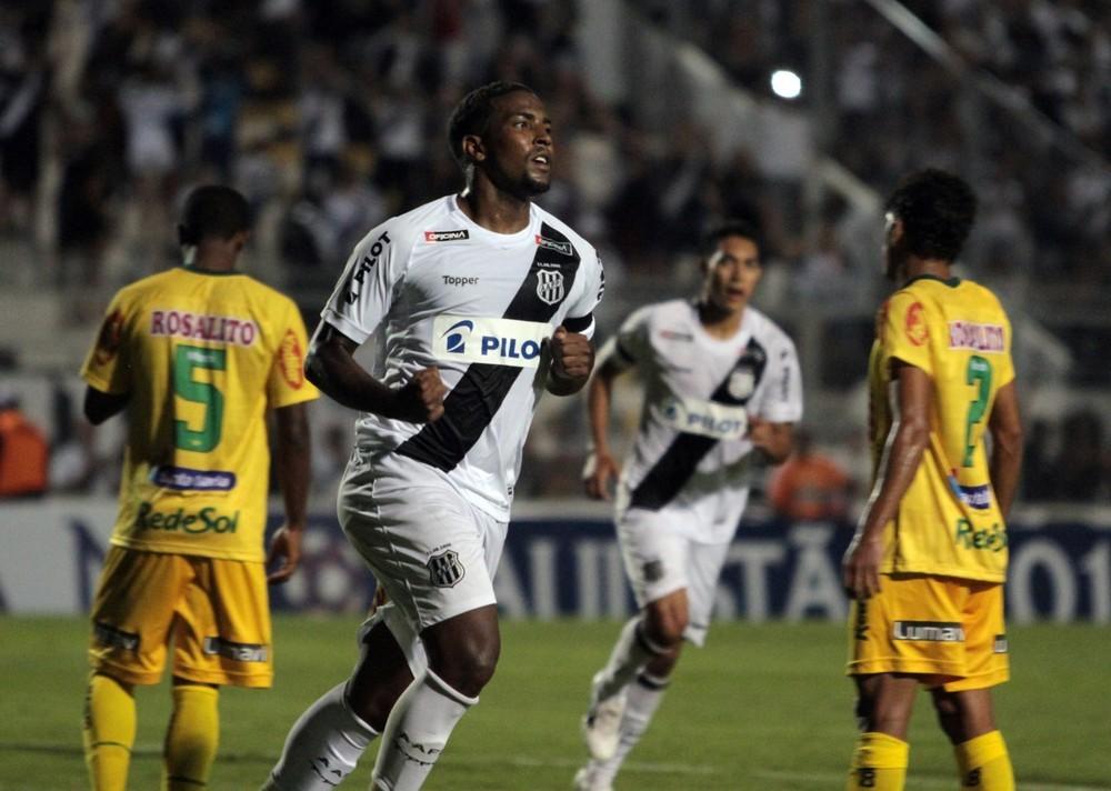 Thalles no jogo contra o Mirassol — Foto: Rodrigo Zanotto / Estadão Conteúdo