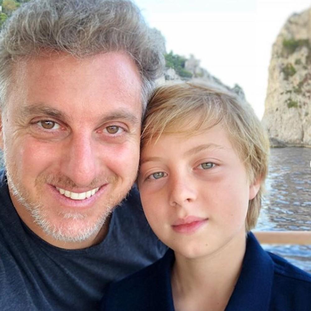 Luciano Huck e Benício em foto postada pelo apresentador para homenagear os 11 anos do filho — Foto: Reprodução/Redes Sociais Luciano Huck