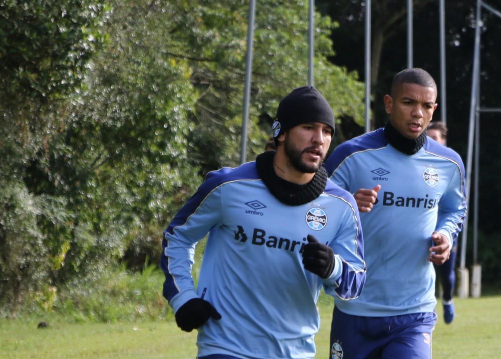 Montoya ainda participa de treinos do Grêmio — Foto: Eduardo Moura