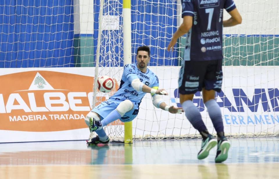 Pato foi a única equipe visitante a vencer na 11ª Semana/ Foto: Mauricio Moreira
