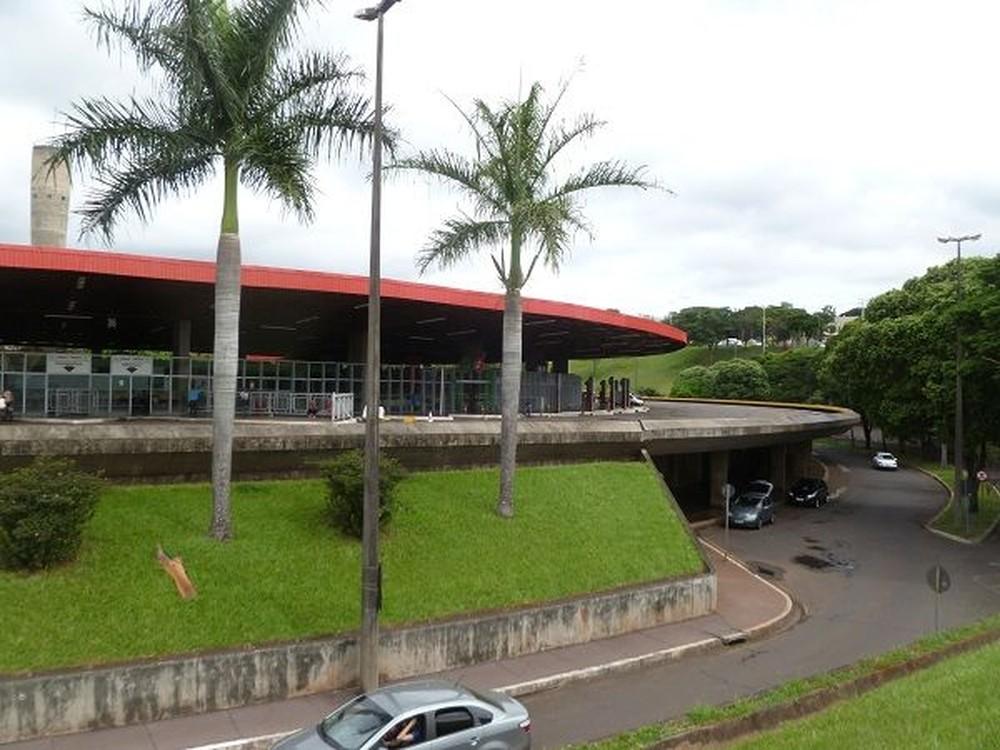 Homem foi preso assim que o ônibus chegou ao Terminal Rodoviário de Londrina — Foto: Divulgação/Prefeitura de Londrina