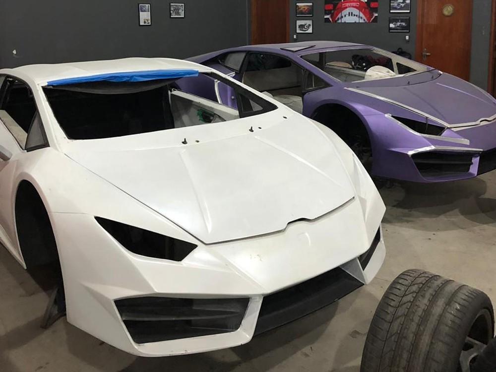 Fabricação de falsificações de carros de luxo em Itajaí — Foto: Polícia Civil/Divulgação