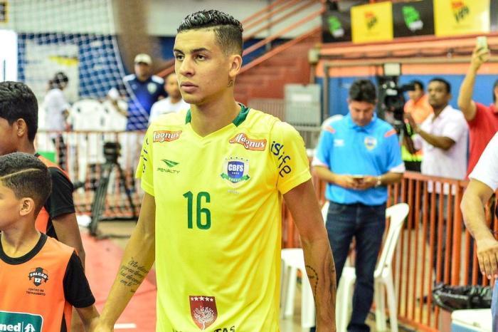 Em 2017, jogador disputou partida pela Seleção Brasileira/Foto: Ricardo Artifon / CBFS