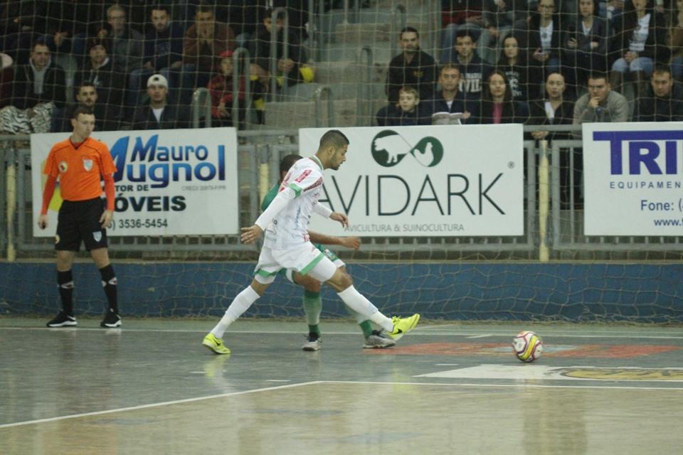 Galo recebe Foz em busca de carimbar o passaporte para os play offs do Paranaense Série Ouro de Futsal