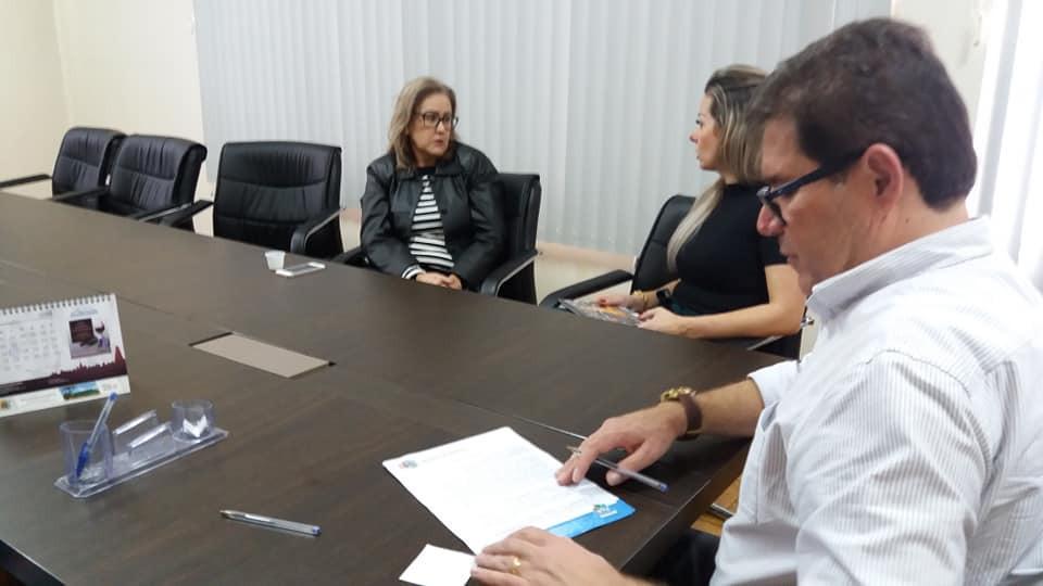 Prefeito Marco Zandoná, Secretária da Assistência Social Adriana Santini Zandoná e a Diretora da APAE, Catia Muller./ Foto: ASCOM