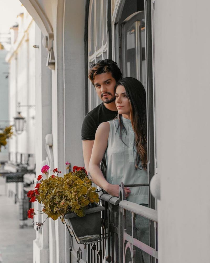 Luan Santana fica noivo de Jade Magalhães