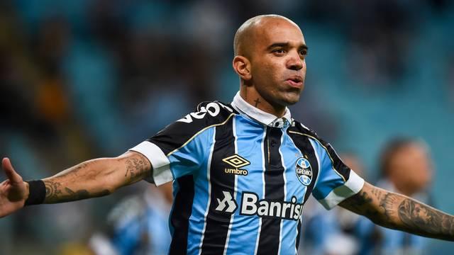Grêmio goleia o Avaí e chega a quarta vitória consecutiva