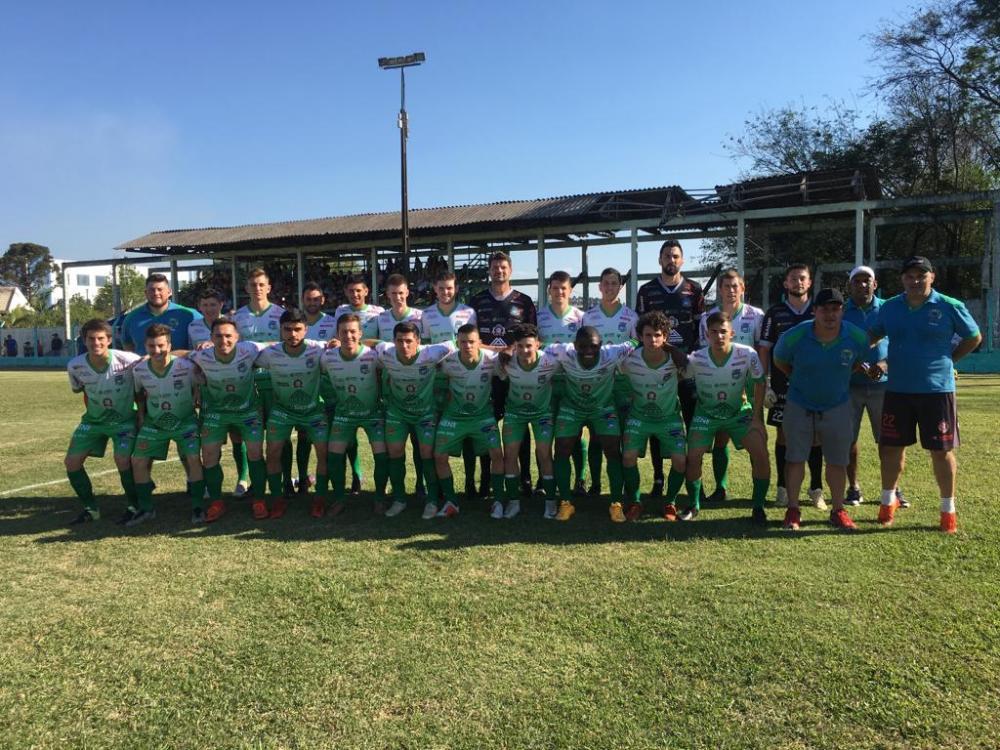Ampére vence Pérola na estreia do Regional de Futebol Amador