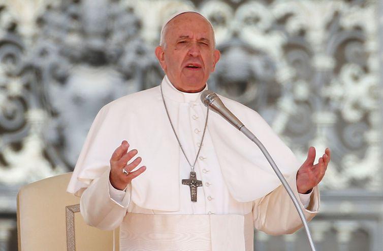 Papa Francisco diz que a Amazônia precisa do fogo de Deus