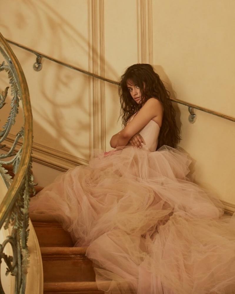 Camila Cabello lança a música ''Easy''; OUÇA