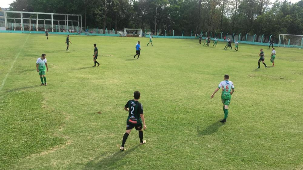 Ampére vence Pinheiros Beltronense pelo Regional de Futebol LBF
