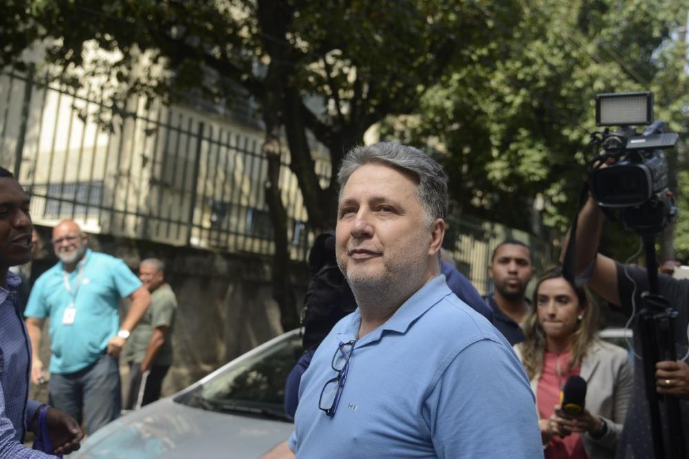 Justiça derruba habeas corpus e determina prisão de Anthony e Rosinha Garotinho