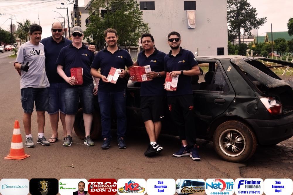 Jerry do IVG e integrantes do Rotary durante ação realizada em conjunto/Foto:Marcos Prudente