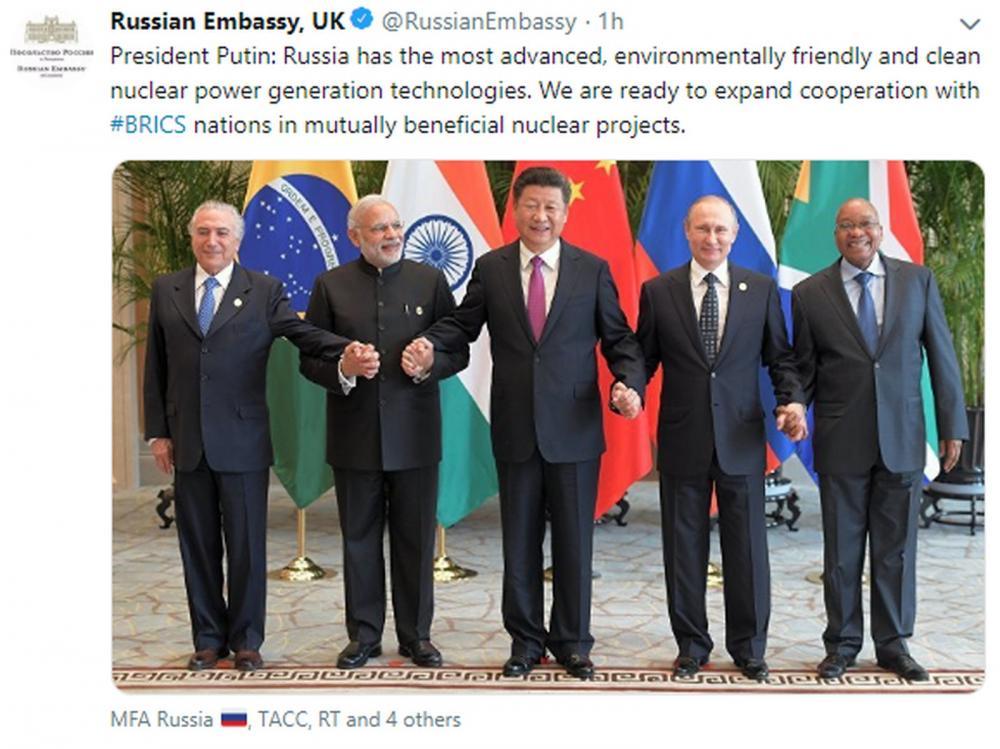 Embaixada da Rússia no Reino Unido publicou nesta sexta-feira (15) foto desatualizada de encontro dos Brics — Foto: @RussianEmbassy/Reprodução/Twitter