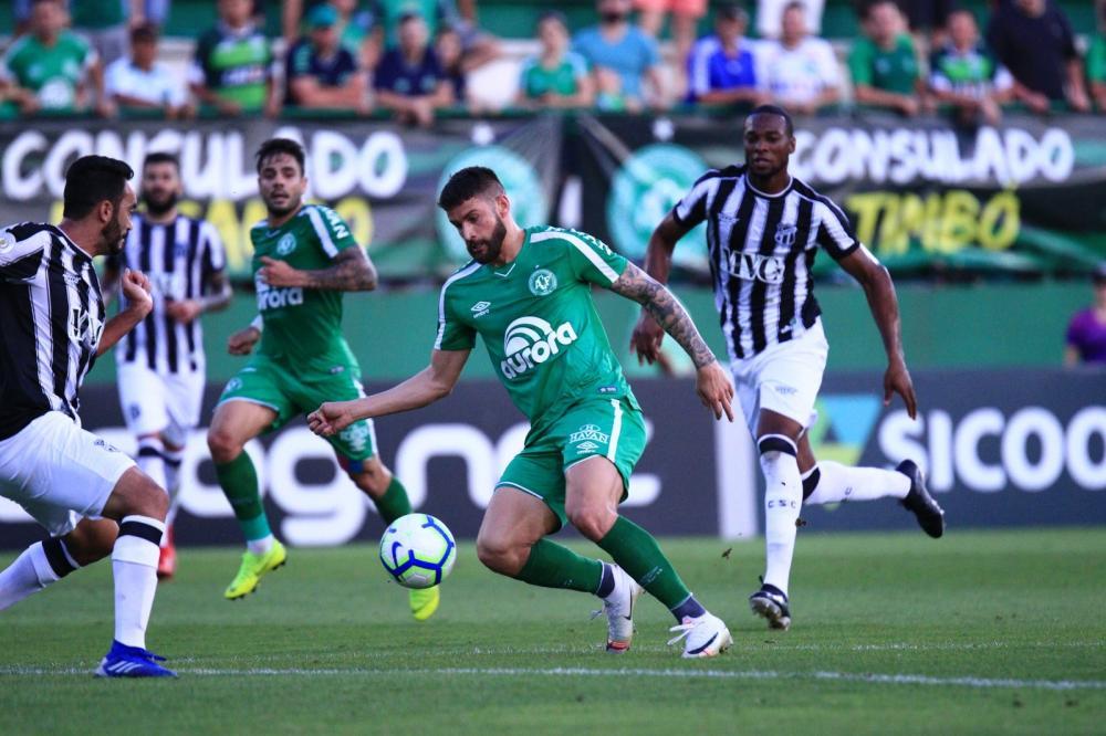 Everaldo marcou o único gol da partida — Foto: Márcio Cunha/Chapecoense