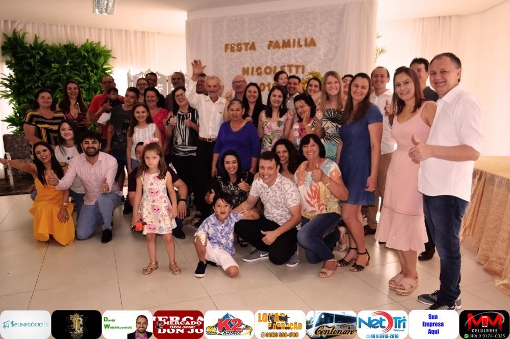 Família Nicoletti em pose para foto/Foto:Marcos Prudente