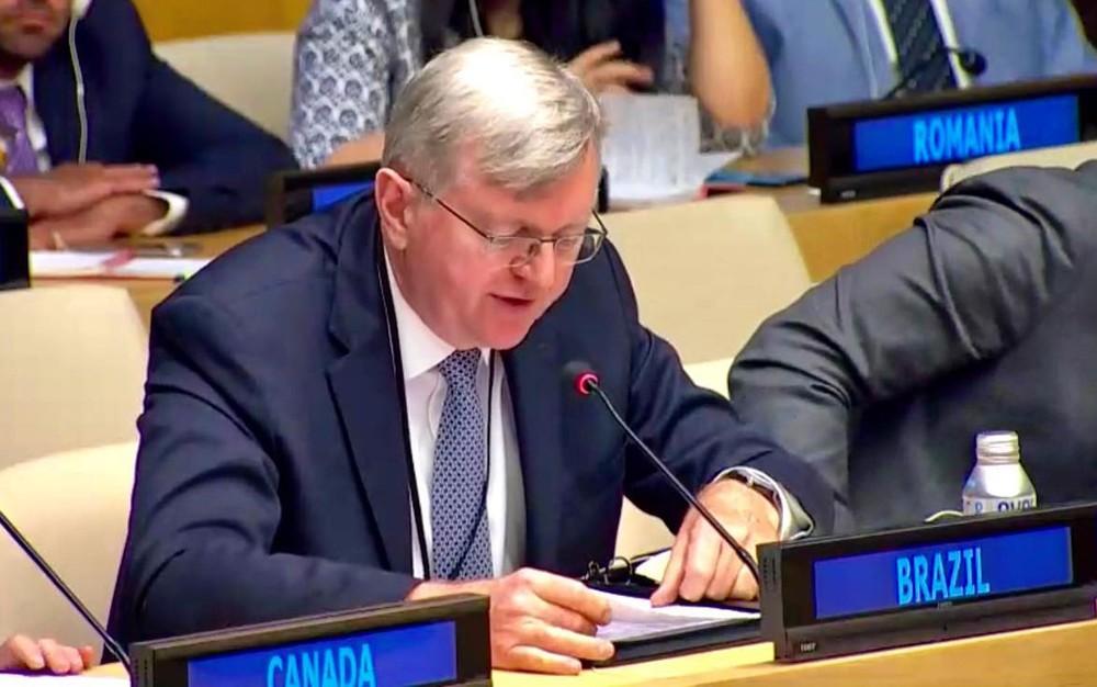 Nestor Forster durante encontro na ONU, em 22 de agosto — Foto: Reprodução/Facebook/Embaixada do Brasil em Washington