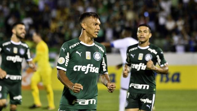 Gabriel Veron comemora o gol pelo Palmeiras (Foto: Marcos Ribolli)