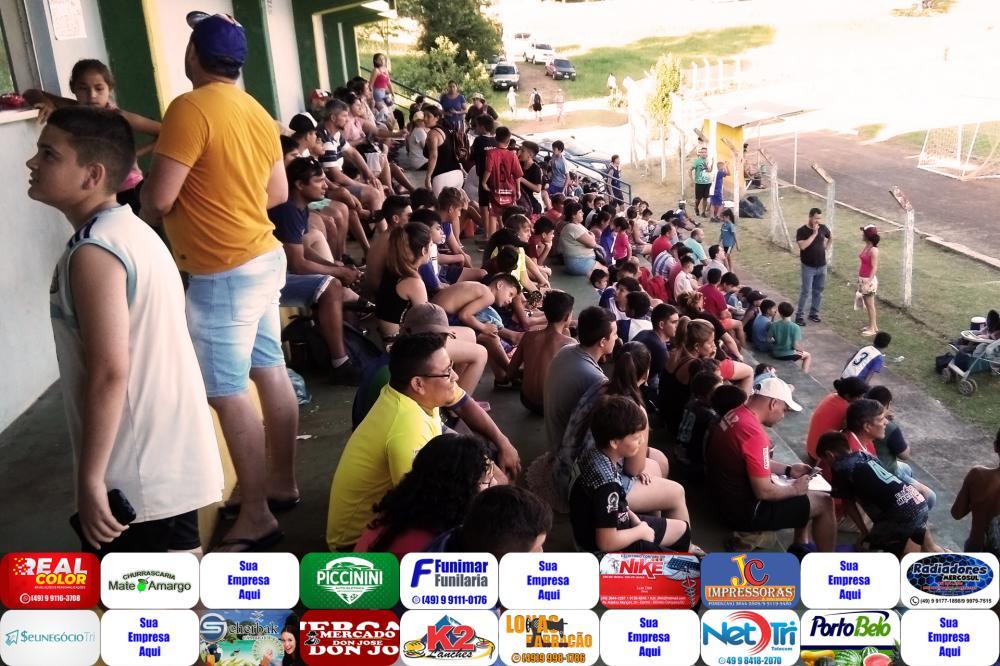 Torcedores no Estádio Jacob Maran/Foto:Marcos Prudente