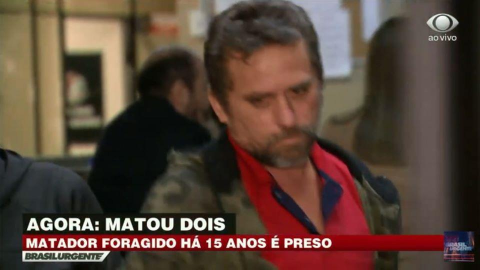 Galego sendo conduzido a delegacia/Foto:Reprodução TV Band