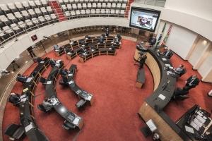 SC - Deputados denunciam contratos e contestam diálogo com Executivo