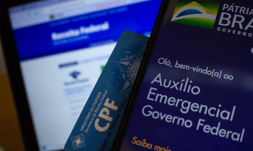 Bolsonaro confirma mais parcelas do Auxílio Emergencial, mas sem valor definido
