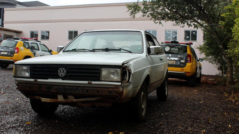 Dionísio - Dois carros foram furtados na mesma noite no Distrito da Idamar
