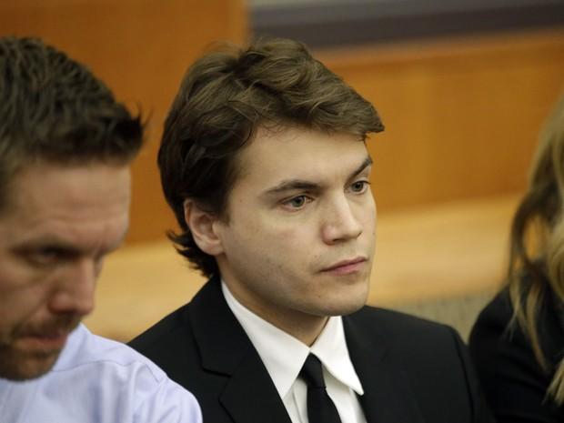 Emile Hirsch comparece ao tribunal de Utah após acusação de agressão