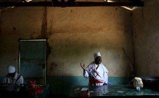 Igrejas do Quênia contratam seguranças para as celebrações da Páscoa