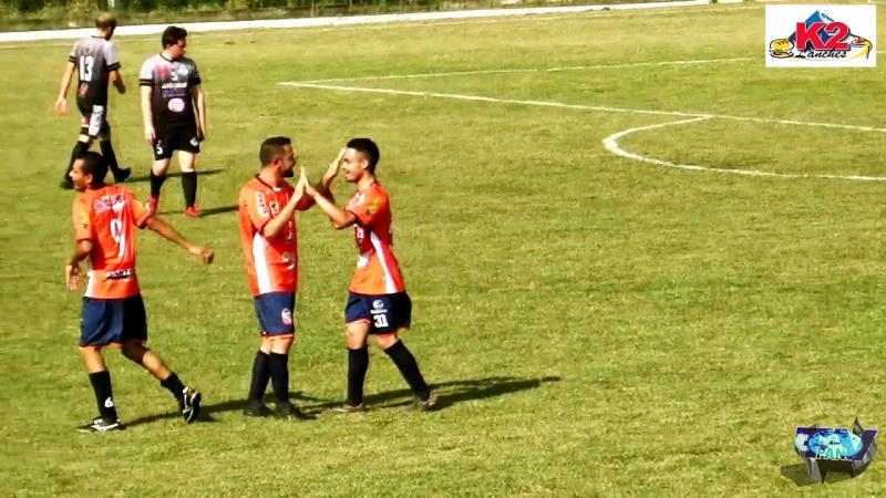 Lucas pediu Anderson Freire para curtir seus três gols contra ABEC Indu pelo Barraconense